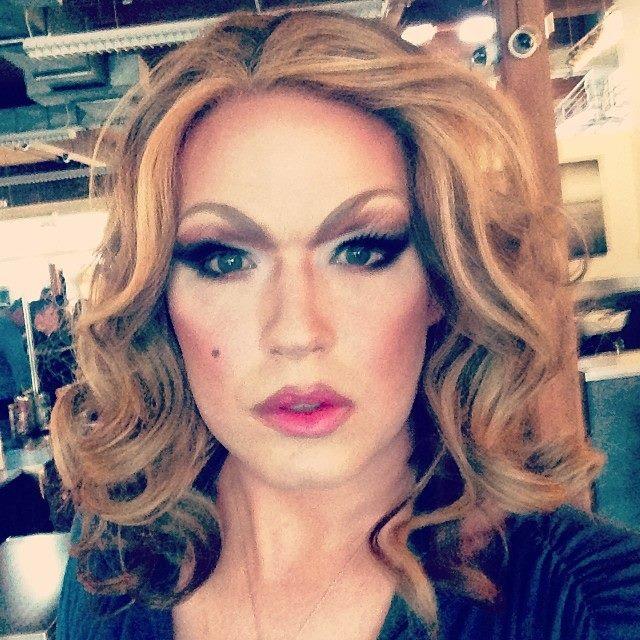 DonnaTella Howe: Super Model Selfie Realness