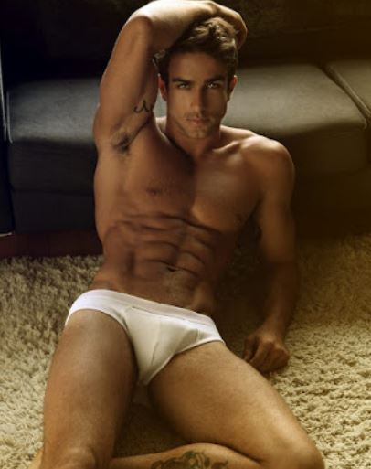 (this isn't ArtStar, this is just some Brazilian model, but you're welcome again!)