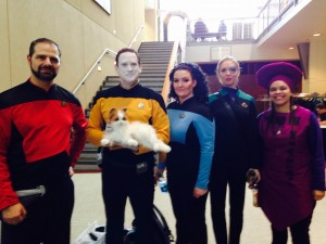 ST: TNG cosplayers: Riker, Data, Troi, 7 of 9, and Guinan.